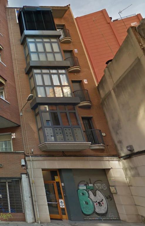 3 viviendas y 1 local